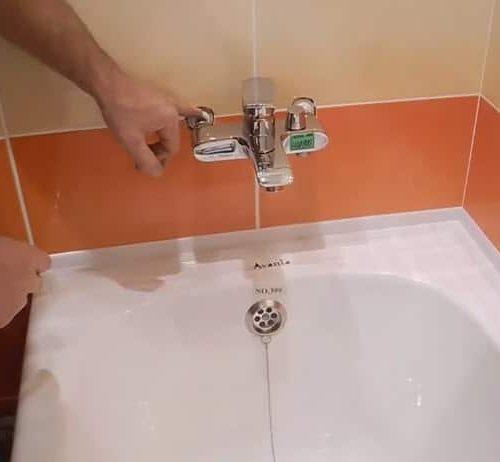 Установка смесителя для ванной