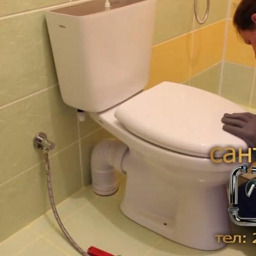 Установка унитаза слесарем-сантехником из Владивостока