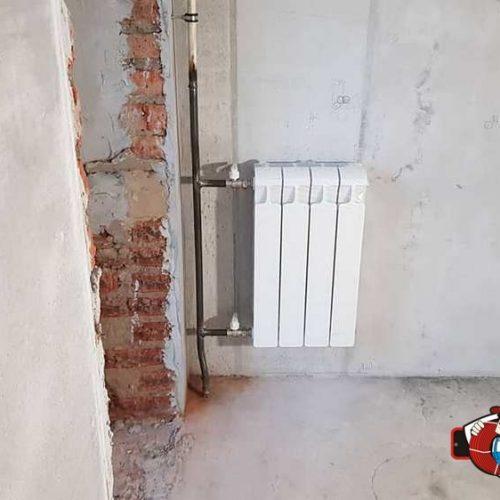 Установка радиатора в комнате